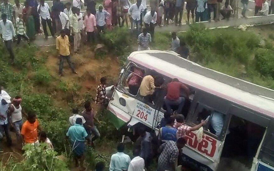 Tragiška autobuso avarija Indijoje