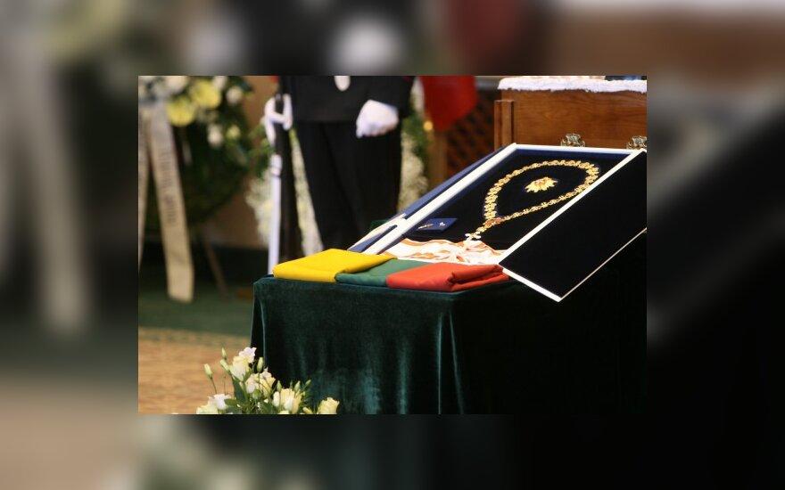 K.Girnius. Sostas ir altorius A.Brazausko laidotuvių kontekste