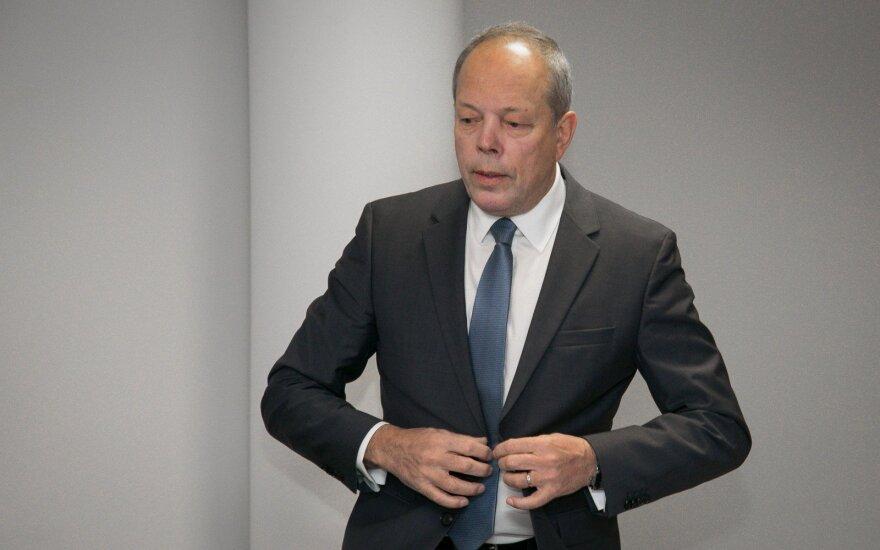 Buvusiam Visagino elektrinės direktoriui Vaitkui skirta daugiau nei 11 tūkst. eurų bauda