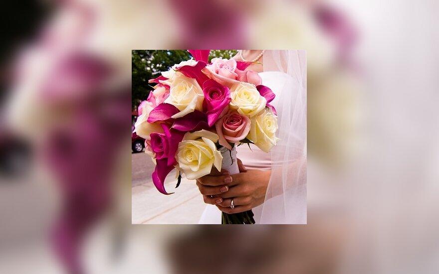 Vestuvinė puokštė, rožės
