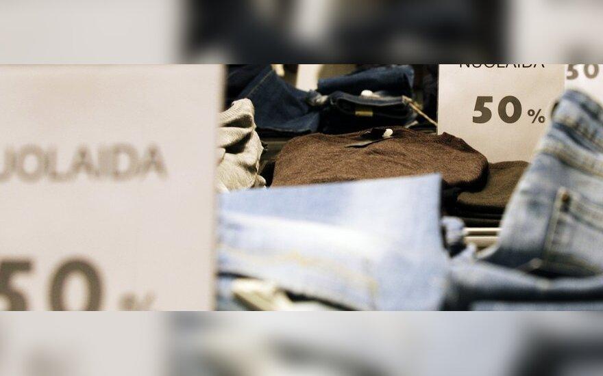 Prekybos centruose – sandėlių valymas