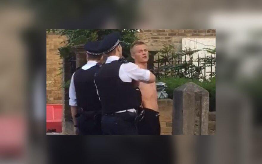 Rytų Londone sulaikytas musulmoną užpuolęs jaunas lietuvis