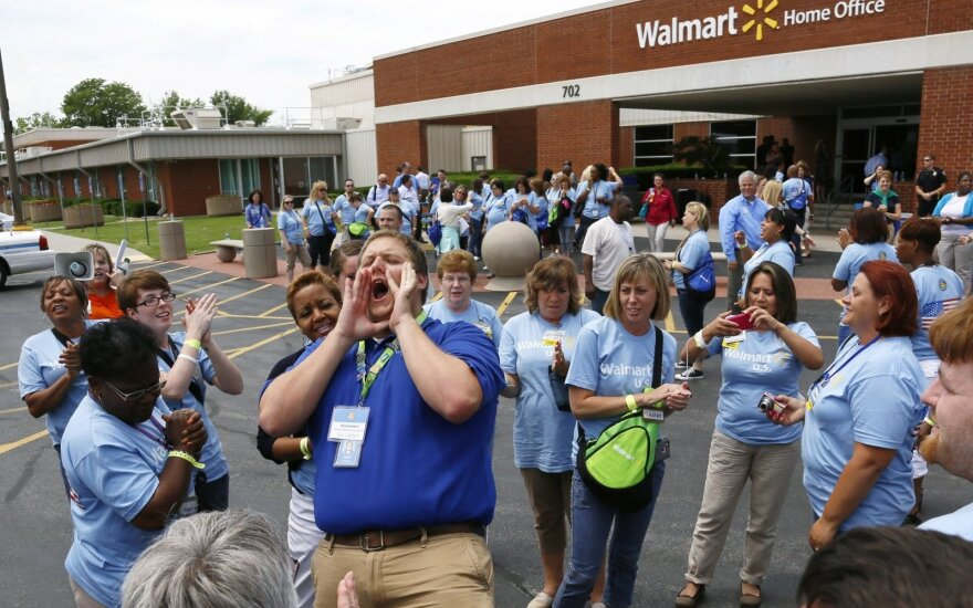 Garsi JAV įmonė nebesusitvarko su dykinėjančiais darbuotojais: siūlys apmokamus laisvadienius