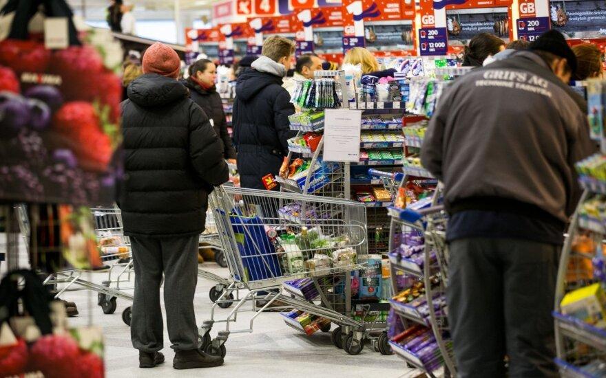 Prekybininkai tikisi, kad lietuviai labiau išlaidaus per Kalėdas