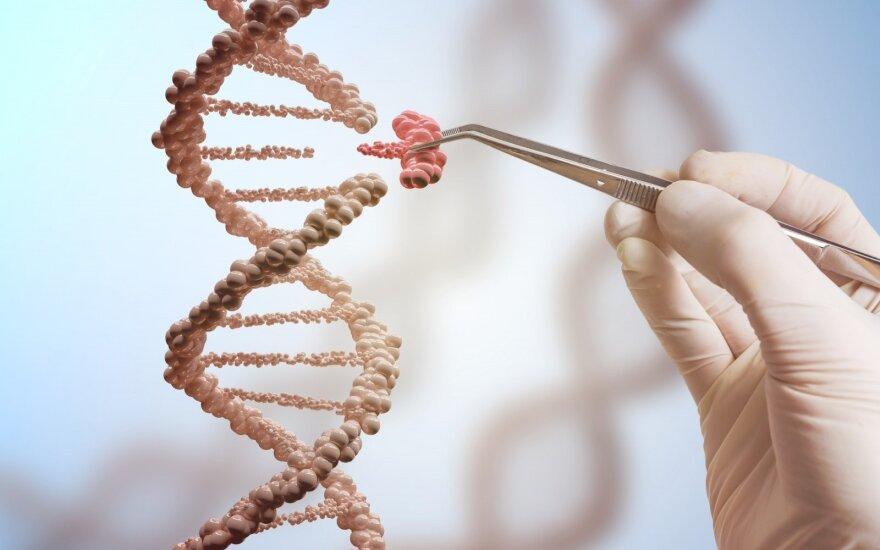 Mokslininkai siūlo: jei bijote dėl savo DNR, dalinkitės ja