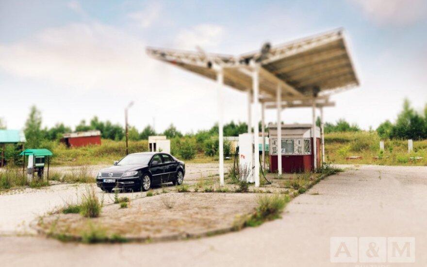 """Išbandžius prabangų """"Volkswagen Phaeton"""": patiko, bet 161 tūkst. Lt nemokėčiau"""