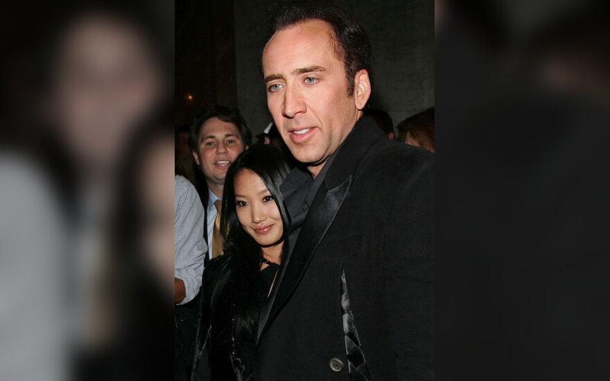 Nicolas Cage'as su žmona Alice Kim