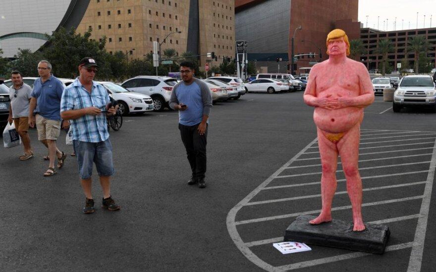 Nuogo D. Trumpo statula