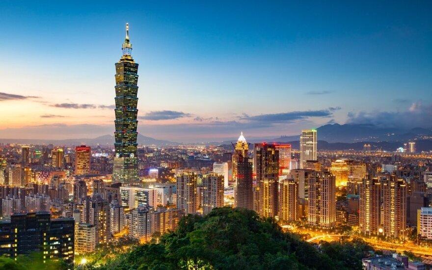 Kinija įšaldė individualias keliones į Taivaną
