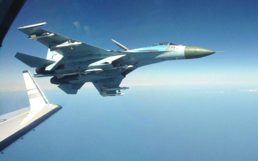 Su-27 perima NATO orlaivį