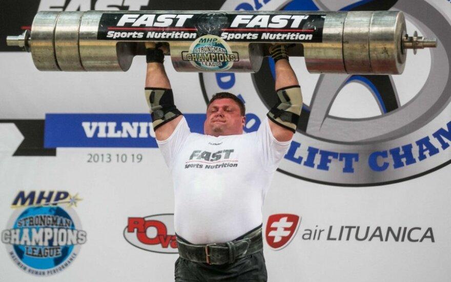 Ž. Savickas pasiekė naują pasaulio rąsto kėlimo rekordą