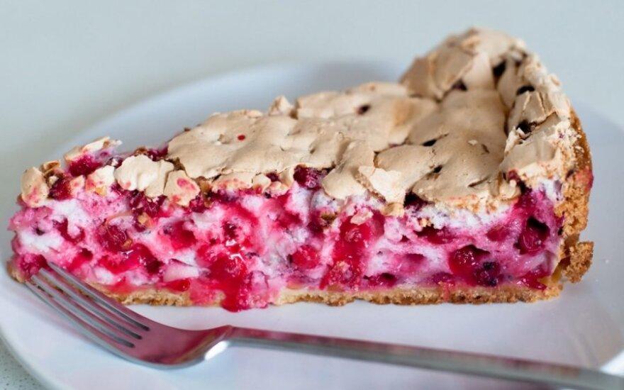 Morenginis pyragas su raudonaisiais serbentais