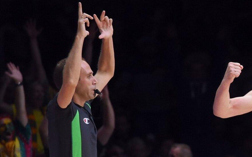 Naujas etatas FIBA? Lietuvių rungtynėms jau ketvirtą kartą teisėjaus tas pats arbitras