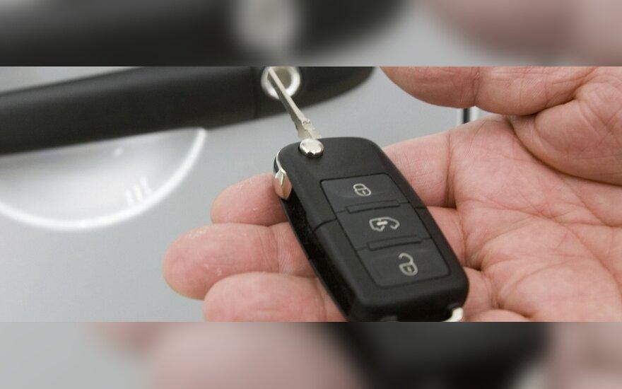 Įvardijo šiuolaikinių automobilių vagių įrankius: laužtuvai – praeitis