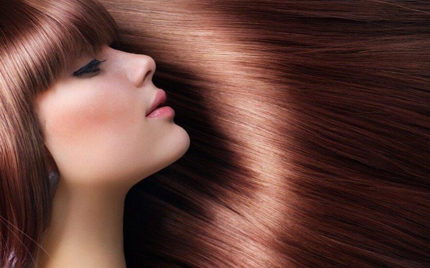 4 gražių plaukų taisyklės: nuo maisto iki šukų