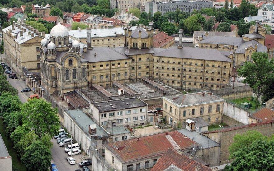 A.Zuokas rašytojams pasiūlė savanoriškai užsidaryti Lukiškių pastate