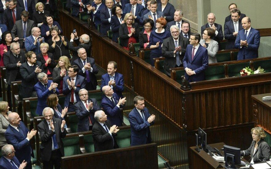 Lenkijos parlamentas pradėjo savo pirmąjį posėdį po rinkimų