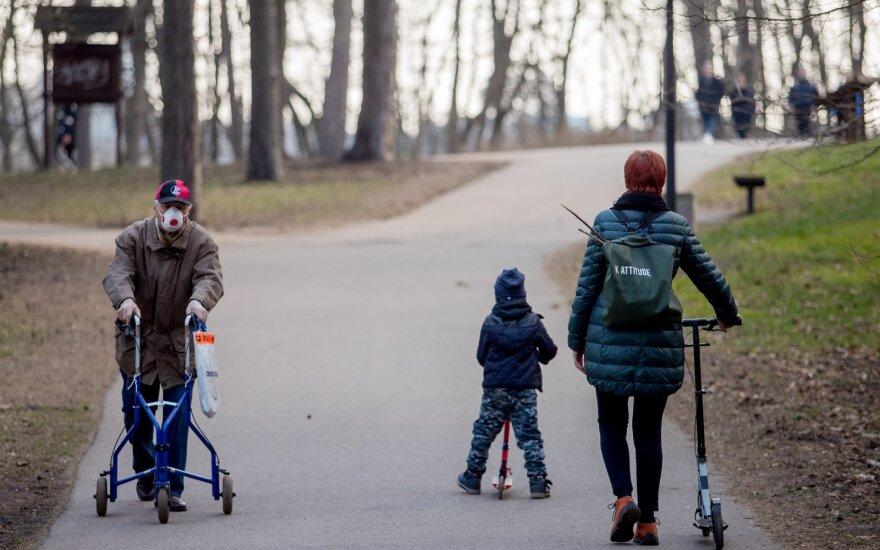 Aktualu visiems tėvams: keičiasi nedarbingumo išdavimo tvarka