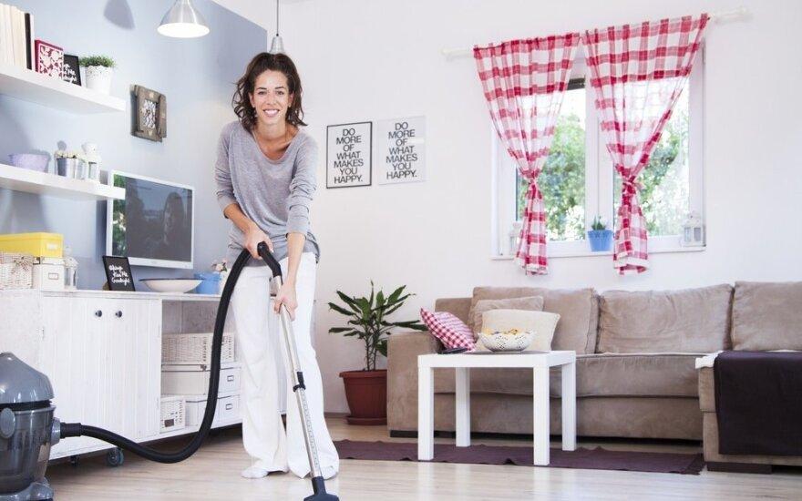 Pasinaudokite šiomis gudrybėmis ir be didesnių pastangų galėsite džiaugtis švaresnėmis grindimis ir baldais