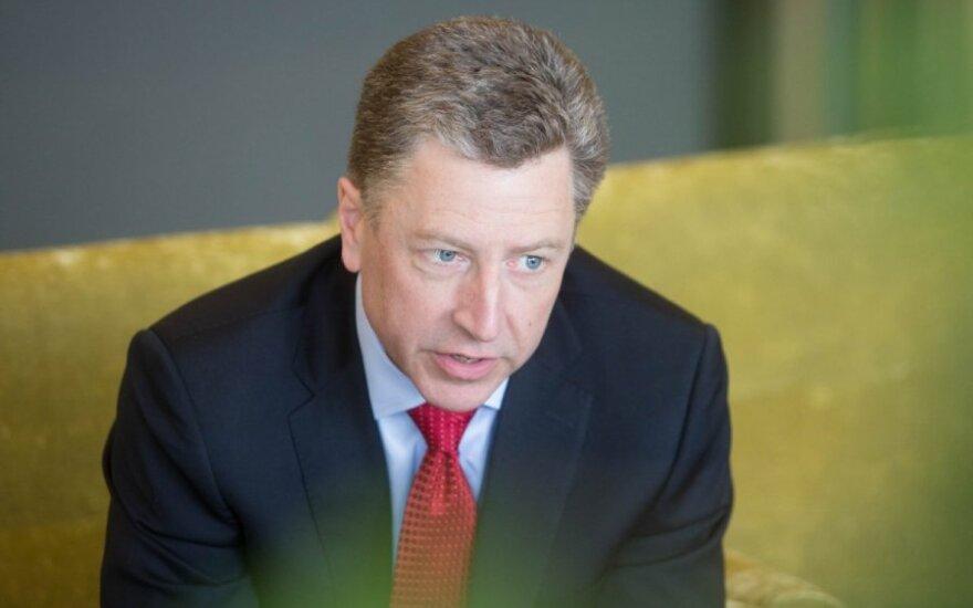 Buvęs JAV ambasadorius prie NATO K. Volkeris: rusai Ukrainoje nesustojo – jie tik padarė pauzę