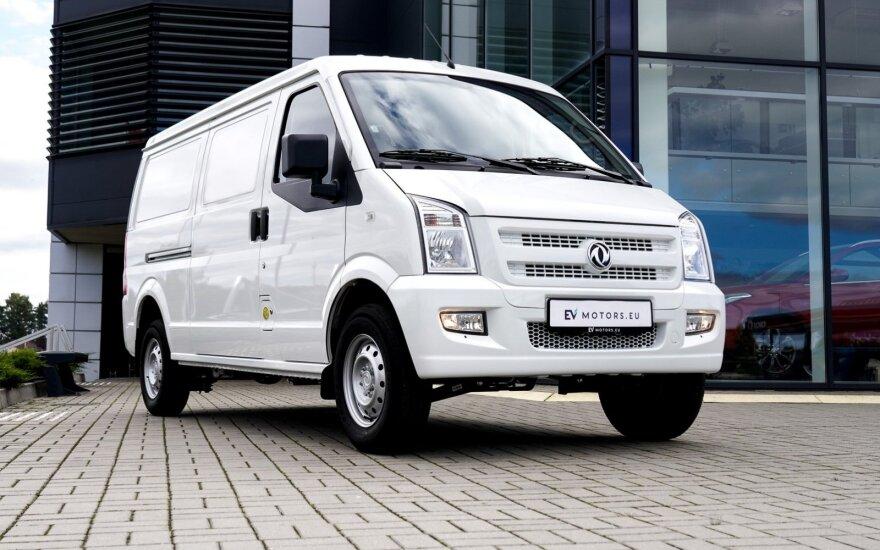 Turi naują pasiūlymą įmonių autoparkams: Lietuvos rinkoje dar nematytą elektrinį mikroautobusą