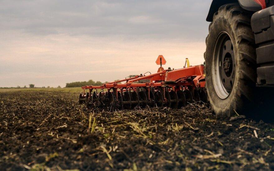 Stambūs ūkiai liko be ES paramos technikai – tai išaugino naują rinką