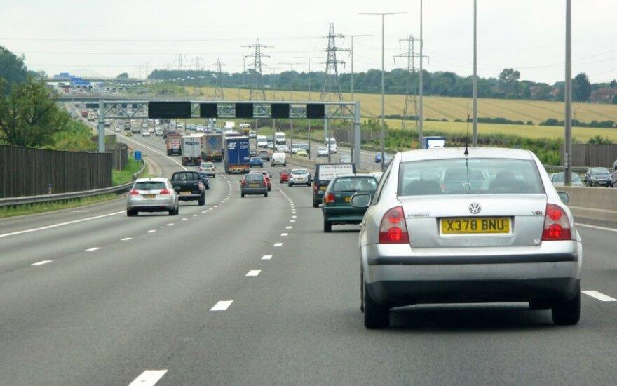Britiški automobilių numeriai gelbsti pažeidėjus Lietuvoje