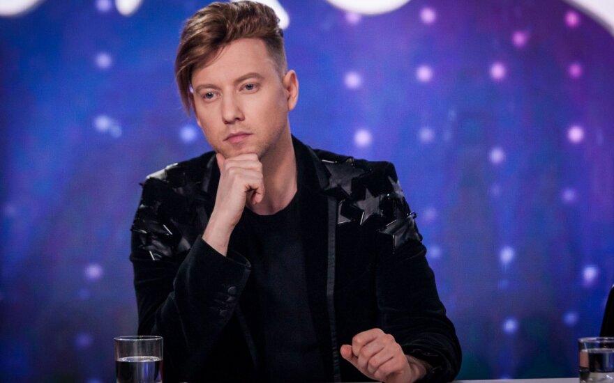 """Iš """"Eurovizijos"""" atrankų pasitraukusiam Sashai Song gresia tūkstantinė bauda"""