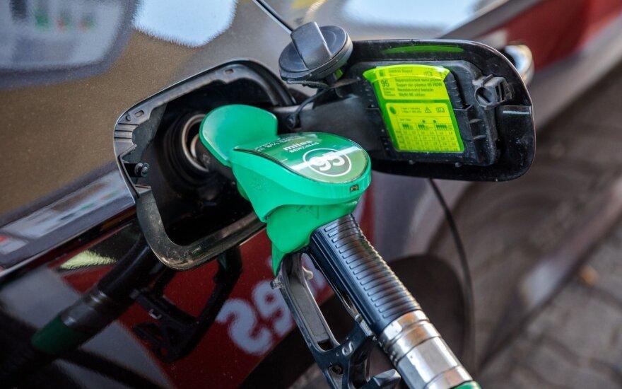 Dalies degalų kaina – žemiau euro: ragina neskubėti įsigyti benzino ar dyzelino pigiau