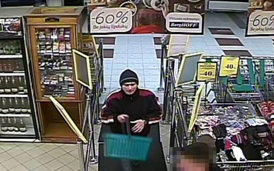 Telšių policija prašo atpažinti vagystėmis iš parduotuvių įtariamą vyrą
