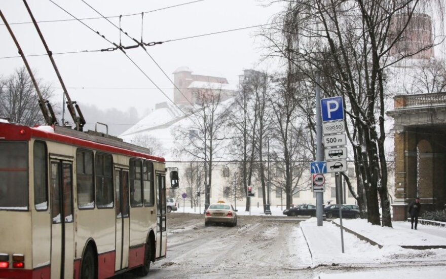 Vilniaus troleibusų parkas pasityčiojo iš šąlančių keleivių