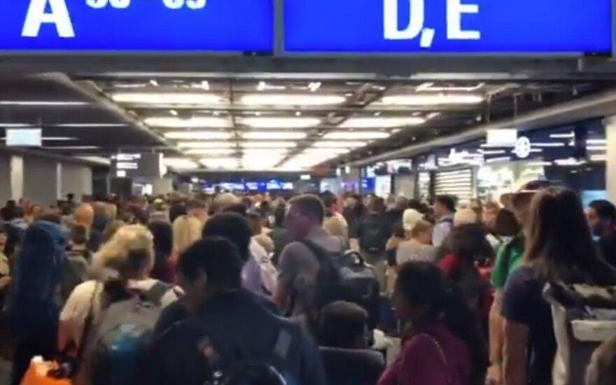 Evakuotas Frankfurto oro uosto terminalas: skelbta apie pro saugumo patikrą prasmukusį asmenį
