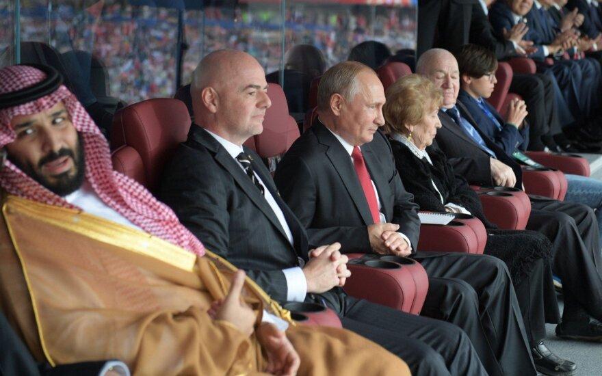 Su trenksmu startavusiai Rusijos rinktinei – prezidento Putino skambutis ir prašymas