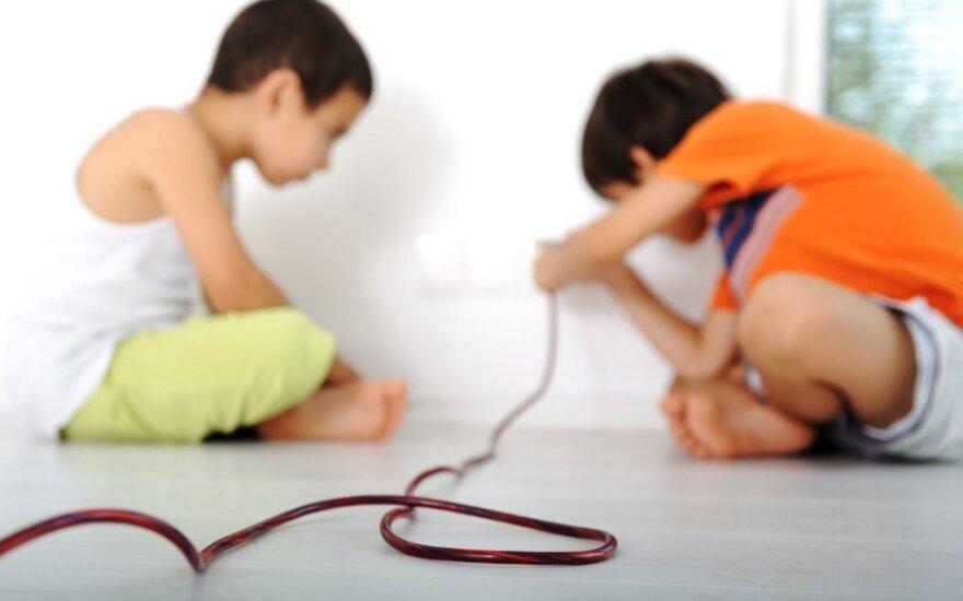 Šiandien jau ir vaikai žino - jei ko nenaudojate, ištraukite to prietaiso iš elektros lizdo