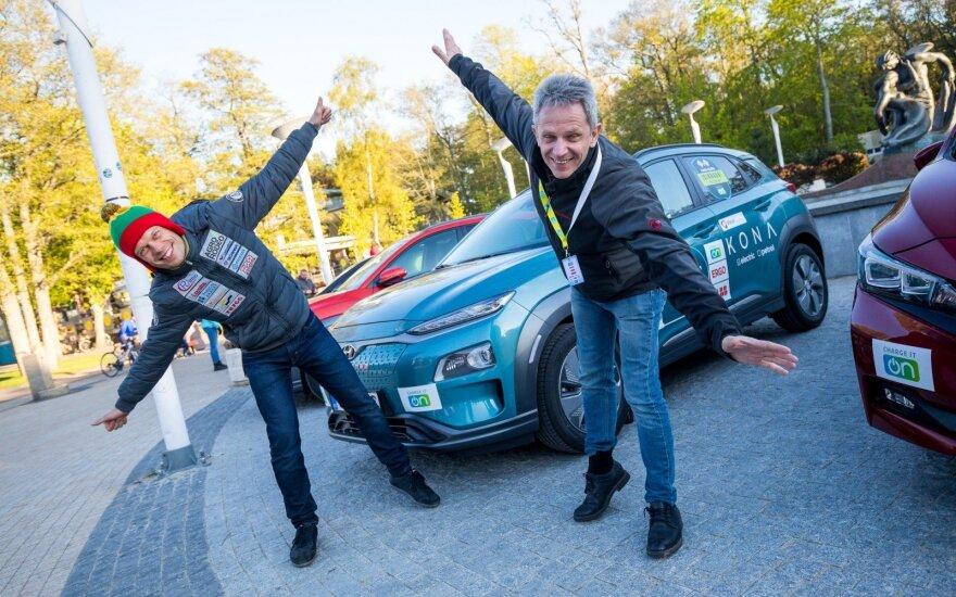 Finišavo penktosios elektromobilių lenktynės