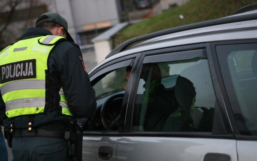 Siunčia žinią laiku baudų už KET pažeidimus nemokantiems vairuotojams