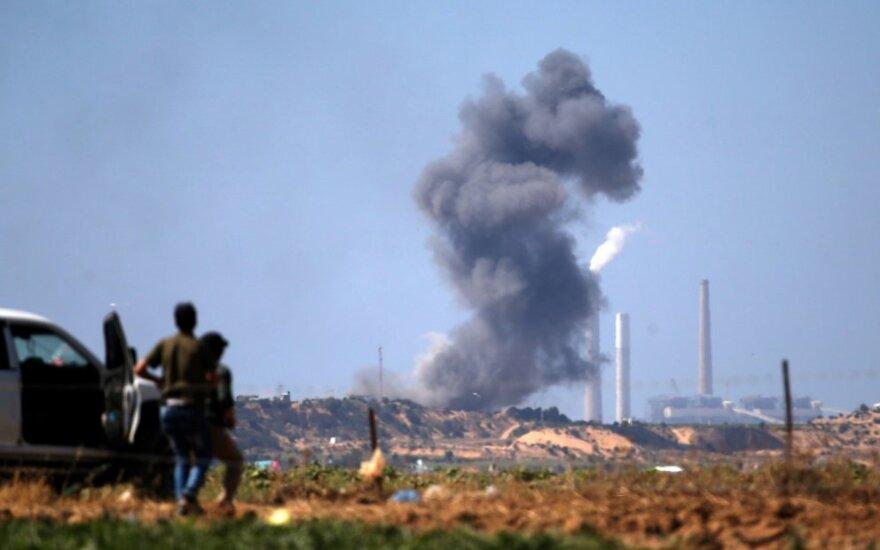 """Izraelio karinė aviacija atakavo """"Hamas"""" taikinius"""