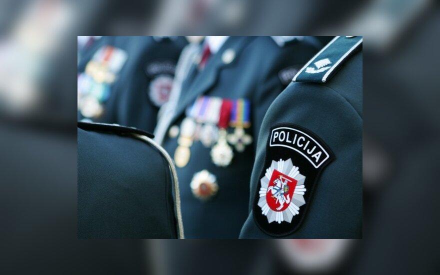 Teismas prokurorams nurodė tirti Kalvarijos policininkų skundą