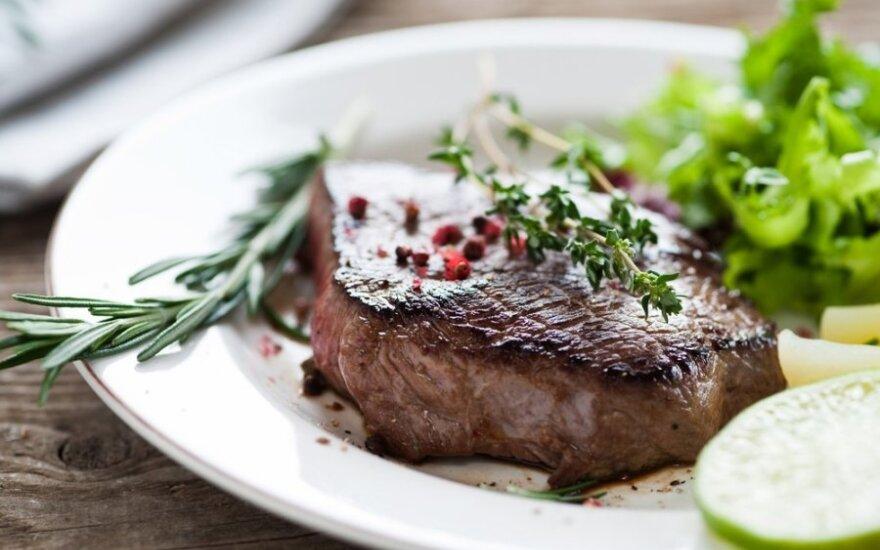 Prabangiems pietums: kepta jautienos išpjova su brendžio padažu