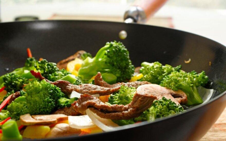 Traški jautiena su brokoliais