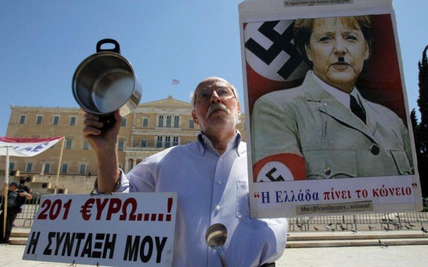 Krizės ištikta Graikija negaili pašaipų Vokietijos lyderei Angelai Merkel