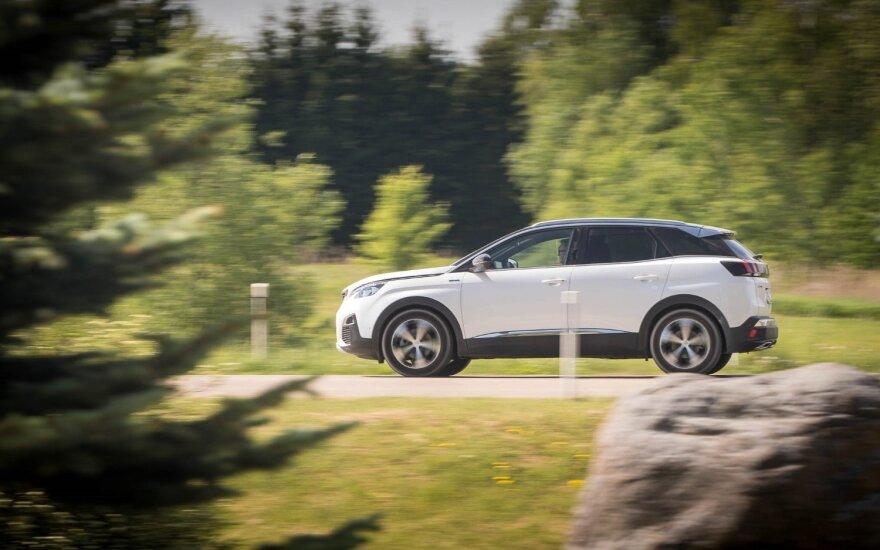 """Naujų """"Peugeot"""" automatinių 8 pavarų dėžių bandymai"""