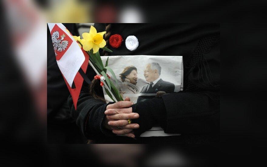 Lenkijos opozicija nori įtraukti Europos Parlamentą į lėktuvo katastrofos netoli Smolensko tyrimą