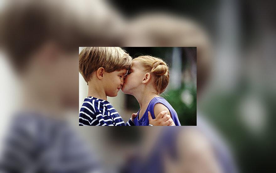 Pirmoji meilė, pirmasis bučinys