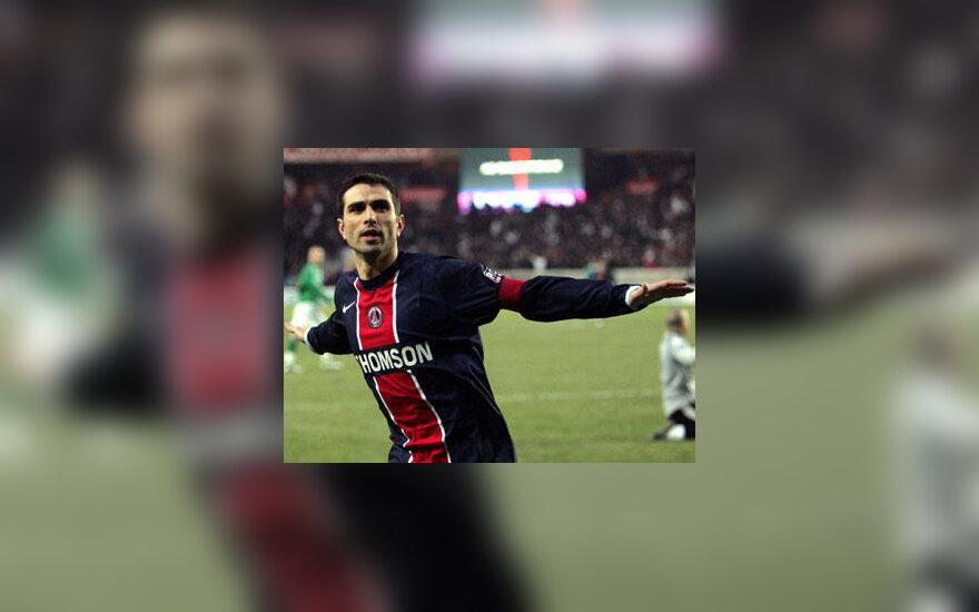 "Pedro Pauleta (""Paris Saint Germain"")"