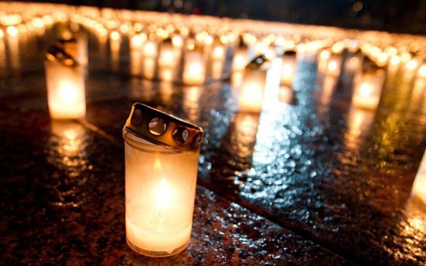 Žvakutės Katedros aikštėje