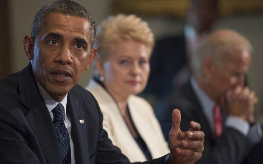 B. Obama atvyksta į Baltijos šalis