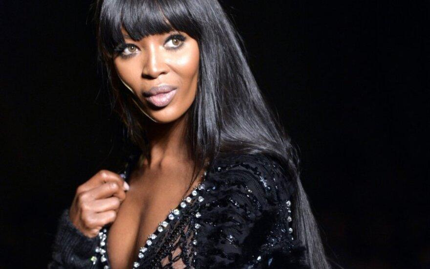 """Paryžiuje """"Versace"""" kolekcija startavo aukštosios mados savaitė"""