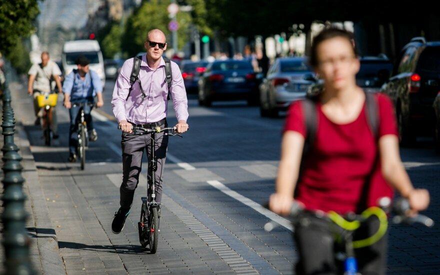 Kritinė dviratininkų klaida: net patys to nežinodami kelia sau mirtiną pavojų