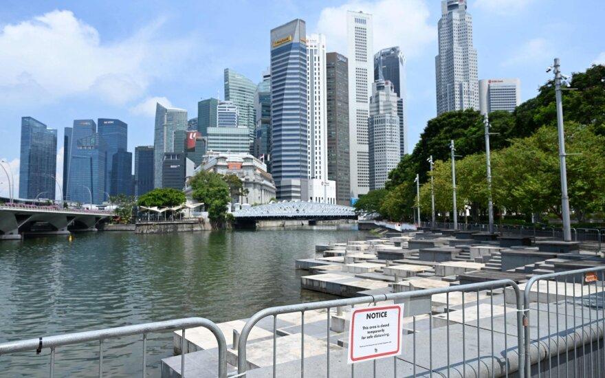 Singapūro valstybinis investuotojas bando laviruoti: teršėjų vienareikšmiai nenurašo